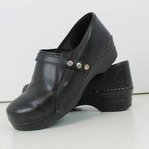 Sanitas Black Leather Nursing Shoe Clog